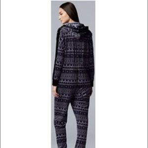 Simply Vera Vera Wang Velour Sweatshirt